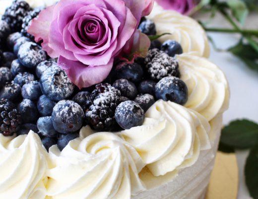 Gräddtårta med blåbär