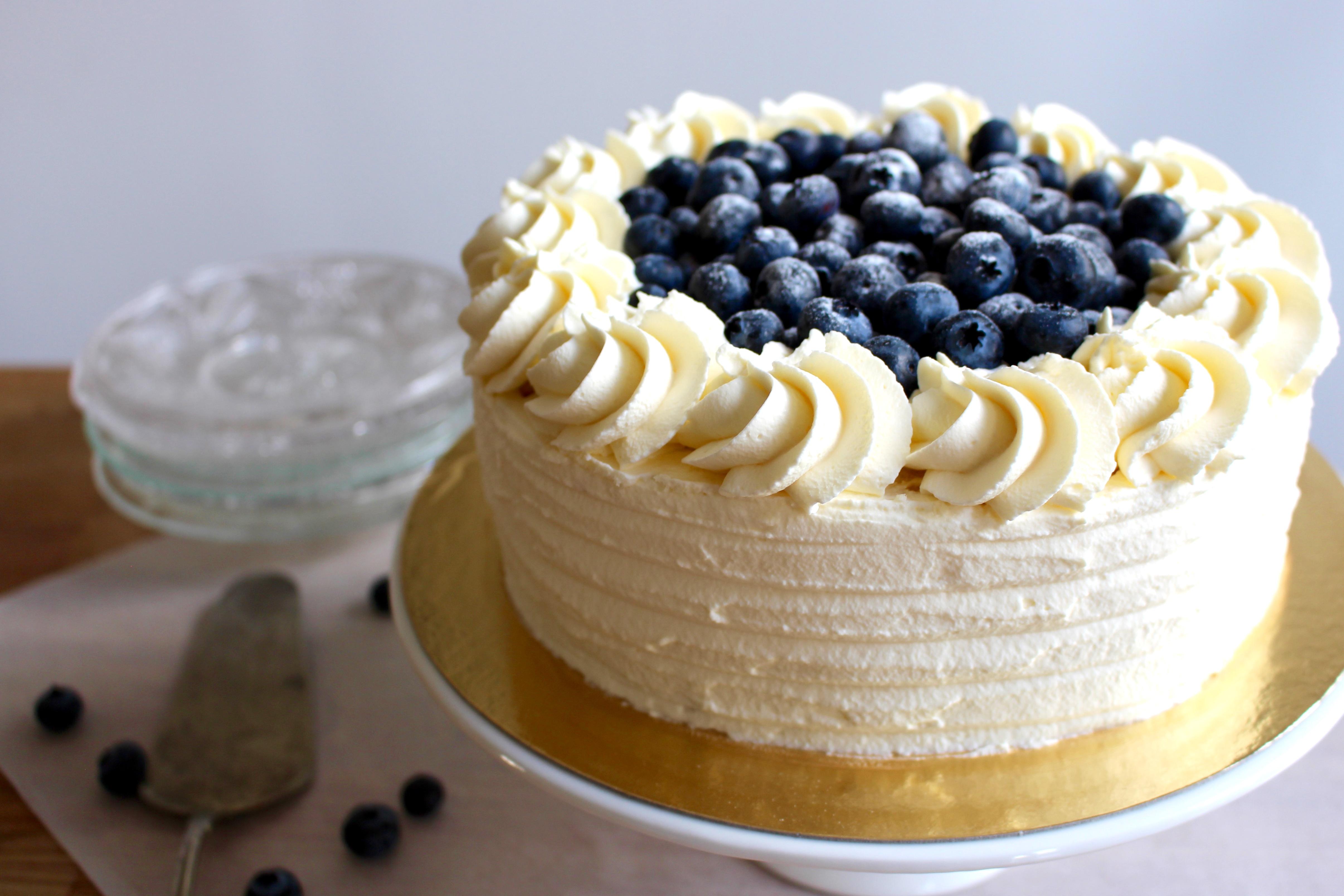 dekorera tårta med grädde