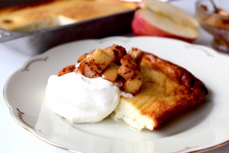 ostkaka-med-kanelstekta-äpplen